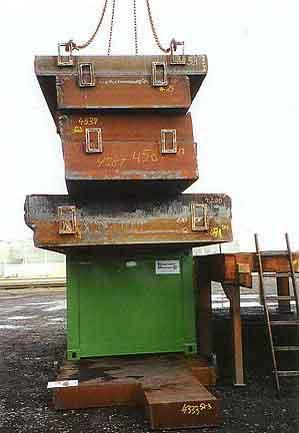 圖十三:廢棄物容器的堆疊荷重試驗